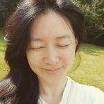 """<トレンドブログ>女優イ・ヨンエ、50代の美しさ…""""娘は料理、パパ・息子は登山"""""""