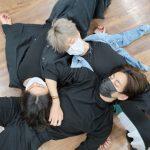 BTS(防弾少年団)V&ジミン&ジョングク、お互いのお腹を枕にリラックス…練習中の休憩法
