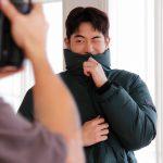 """俳優ナム・ジュヒョク、白い肌の""""マンチンナム""""…キャンプウエアもよく似合う"""