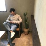 """""""アジアのプリンス""""チャン・グンソク、ただカフェに座っているだけでカッコいい♥"""