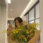 """女優パク・シネ""""私へのプレゼント""""…鏡の前で認証ショット!"""
