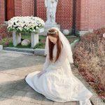 女優コ・アラも結婚発表?ウェディングドレス姿で慎ましやかに‥イ・ジェウクもにっこり