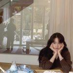 <トレンドブログ>「少女時代」ユナ、ほおづえをついた女神…とても美しい