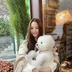 """女優パク・ミニョン、愛犬を抱いて""""日差しより眩しい""""清純な笑顔"""