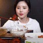 裏広告・食べるふり疑惑から約2か月…復帰した大食い美女ユーチューバー