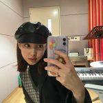 「TWICE」ナヨン、キャスケットもよく似合う…かわいいトムボーイファッション