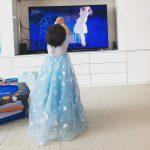 女優ユジンと俳優キ・テヨン夫妻の次女ロリンちゃん、ママに似て可愛さ抜群「我が家のエルサ」