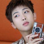 「BTS(防弾少年団)」RM、ニューアルバムのセカンドポスターを公開=滑らかな輪郭に印象的な眼差し