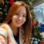 女優ソ・ユジンと有名料理家ペク・ジョンウォン夫妻、すでにクリスマス…余裕たっぷりの笑顔