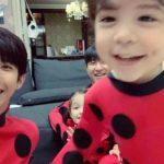 <トレンドブログ>「ZE:A」グァンヒ、サッカー選手パク・ジュホと3人の子供たちと再会!…テントウ虫コーデもお似合い(動画)