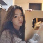 """<トレンドブログ>女優シン・セギョン、""""送ってくださった声援のおかげ""""…YouTube100万ゴールドボタンを認証!"""