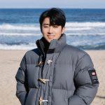<トレンドブログ>俳優ソン・ホジュン、海をバックに笑顔で近況伝える