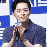 チョ・ジョンソク、映画「光海」監督の新作「幸せの国」出演確定…弁護士役に変身