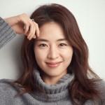 女優イ・ヨニ、新しいプロフィール写真を公開…10年前と変わらない美しさ