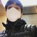 """「CNBLUE」ジョン・ヨンファ、下から撮ってもイケメン…""""僕の専門角度"""""""