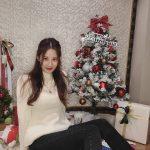 <トレンドブログ>「少女時代」ソヒョン、クリスマスツリーの隣で清純な美貌