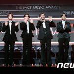 「PHOTO@TMA」BTS(防弾少年団)ブラックスーツで王者の風格「2020 THE FACT MUSIC AWARDS」レッドカーペットに颯爽と登場!