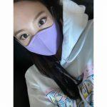 <トレンドブログ>「TWICE」ナヨン、紫色のマスクもよく似合う…独歩的な人形ビジュアル(動画あり)