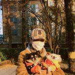 <トレンドブログ>「SUPER JUNIOR」イェソン、愛犬と一緒に散歩する日常