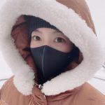 女優キム・ヒソン、目元だけでも感じられる美しさ…初雪と過ごす週末の日常