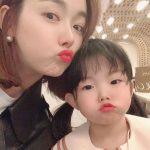女優ソ・イヒョン、急成長中の次女と唇を突き出したポーズで愛嬌炸裂