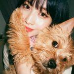 <トレンドブログ>「TWICE」モモ、愛犬抱っこで超接近ショット…可愛すぎるとファン悶絶