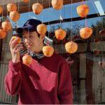 <トレンドブログ>俳優チェ・ウシク、柿だけを掴んでもグラビアに…カッコよさ爆発!
