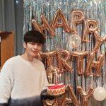 <トレンドブログ>イ・ミンギ、女心を溶かす温かい笑顔…ファンからの誕生日祝いに感動!