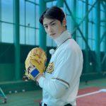ASTROチャ・ウヌ、思わず見とれるほどのビジュアル…野球のユニフォームもよく似合う
