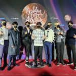 BTS(防弾少年団)、SUGAを中央に記念撮影…「第35回 ゴールデンディスクアワード」音源本賞受賞