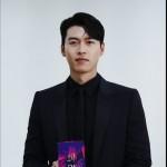ヒョンビン、ダンディな魅力に大俳優のゆとりまで…「2020 APAN STAR AWARDS」大賞受賞の喜びを伝える