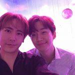 """「2PM」ニックン、ジュノとのほのぼのツーショットで誕生日をお祝い!誕生日おめでとうブラザー! """"僕らのツーショット写真があまりにもなくて探すのに10年が過ぎたよ.. """""""