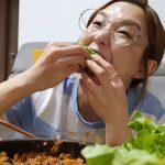 """元議員もユーチューバーHamzyを応援…""""キムチは韓国の食べ物""""認識で中国広告会社から契約解除通告"""