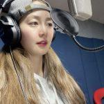 歌手兼女優ソン・ユリ、「Fin.K.L」が完全体カムバック?レコーディング室での写真を公開