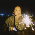 スヨン(少女時代)、夜中に雰囲気あふれる花火でリラックス