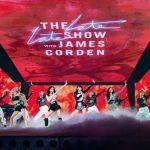 「BLACKPINK」、米トークショー出演…MCジェームズ・コーデンも爆笑のトーク力「コンサートで番組ロゴ使いましょう」