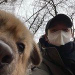 俳優チョ・スンウ、安楽死の危機が迫っていた捨て犬を保護しツーショット公開