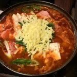 「コラム」一番寒い季節には食卓に「チーズ入りプデチゲ」をぜひ!