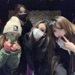 「2NE1」久しぶりの完全体公開…末っ子の誕生日迎え、CL・BOM・DARAがお祝い