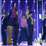 「PHOTO@NEW YEAR'S EVE LIVE」BTS(防弾少年団)、NU'EST、幻想的で華麗なステージ公開