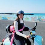 """<span class=""""title"""">""""TikTokフォロワー1000万人""""女優イ・シヨン、チェジュの青い海と一緒にスクーターで軽やかな走り</span>"""