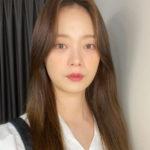 """<span class=""""title"""">女優チョン・ソミン、バラエティのイメージを脱いだ清純セルカ</span>"""