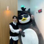 """<span class=""""title"""">2PMジュノ、ペンスと「My House」を踊る…""""宇宙最強にかわいいペンギンたちの出会い""""(動画あり)</span>"""