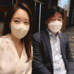"""<span class=""""title"""">女優ソ・ユジン、夫ペク・ジョンウォンの大学後輩の息子の結婚式に参加…""""変な気分、私の息子は8歳""""</span>"""