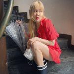 "<span class=""title"">歌手ヒョナ、雨の日にも完璧なファッションセンス披露</span>"