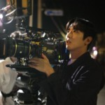 "<span class=""title"">CNBLUEジョン・ヨンファ、今日はカメラマン?…熱中する姿が魅力的</span>"