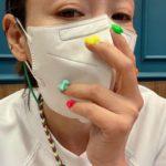 """<span class=""""title"""">女優イ・サンア、カラフルなネイルアート…爪にリボンをついてるね</span>"""