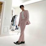 "<span class=""title"">キム・ドンジュン(ZE:A)、ピンク色のスーツを完璧に着こなす素敵ビジュアル</span>"