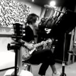 "<span class=""title"">キム・ヒョンジュン(リダ)、ギターの演奏に熱中する姿が美しい(動画あり)</span>"