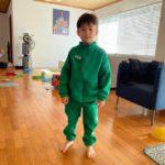 """<span class=""""title"""">ウィリアムくん、「イカゲーム」の緑色のジャージを着てカシャッ</span>"""